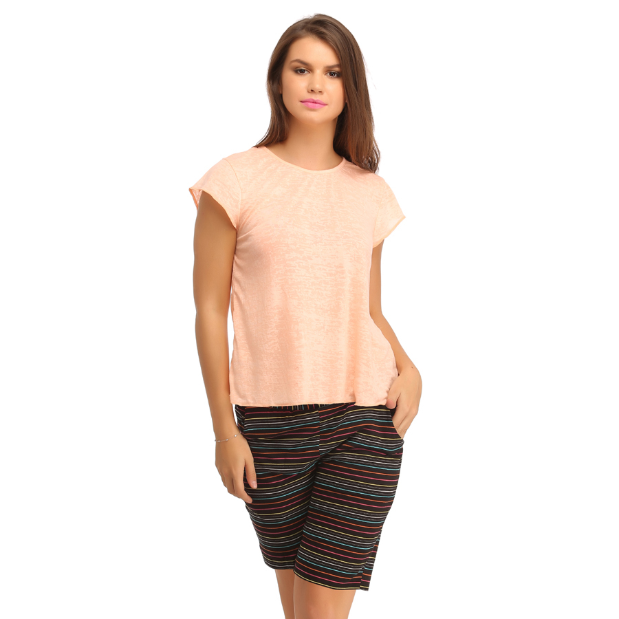 Cotton Solid Top & Knee Length Shorts - Peach