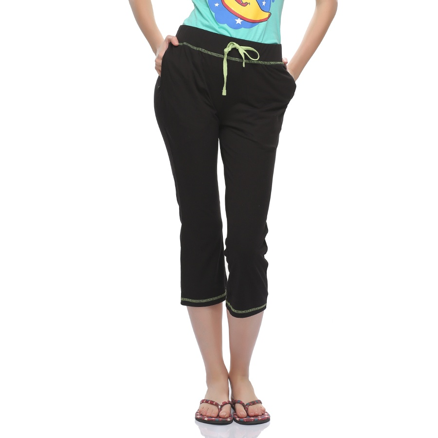 Soft Cotton Capri In Black