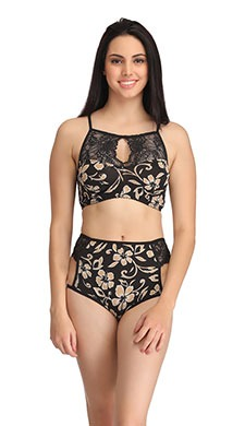 4c117998699b7 Clovia offers the bra and panties set starting   just Rs 499