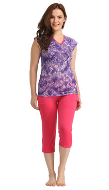 Cotton V-neck Printed T-shirt & Solid Capri - Purple